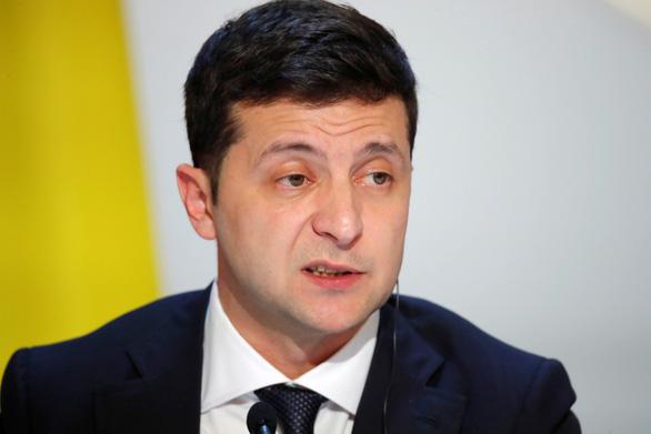 Chương trình hài của tổng thống Ukraine bị cắt sóng ở Nga - Ảnh 1.