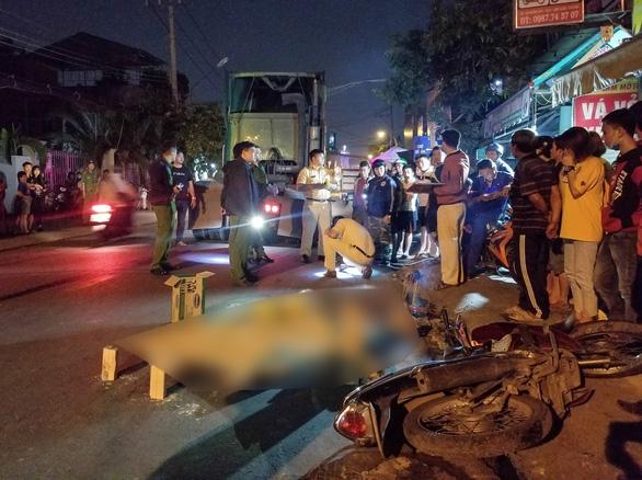 Đi ăn tối, một người đàn ông bị xe container cán chết tại chỗ - Ảnh 1.