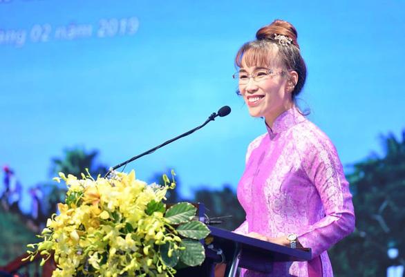 CEO Vietjet Nguyễn Thị Phương Thảo tiếp tục vào Top 100 phụ nữ quyền lực nhất thế giới - Ảnh 1.