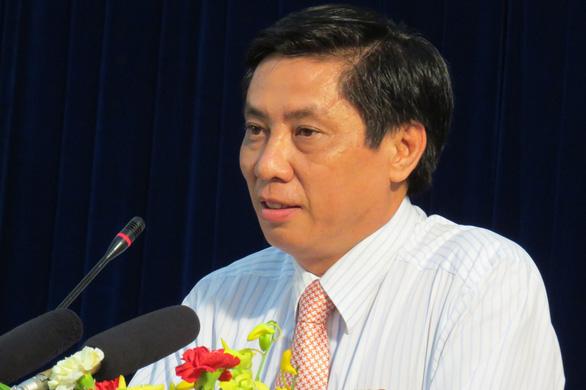 Cách chức chủ tịch UBND tỉnh Khánh Hòa - Ảnh 1.