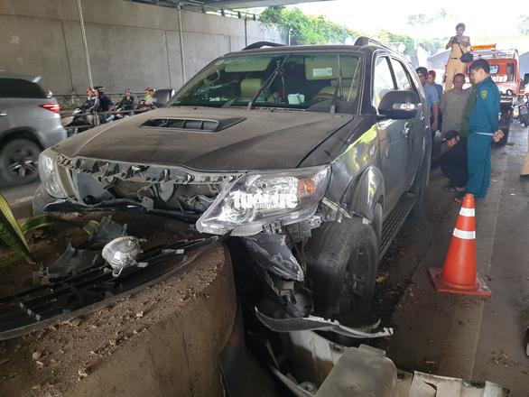 Xe chở thuốc lá lậu tai nạn ở hầm Thủ Thiêm: Trên xe có nhiều biển số giả - Ảnh 3.