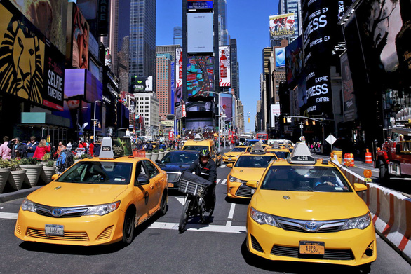 New York hướng dẫn tài xế taxi cách xưng hô tránh xúc phạm khách - Ảnh 1.