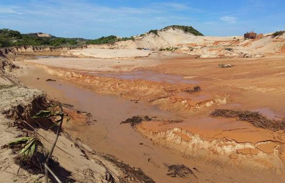 Dừng đào titan ven biển, dành đất để phát triển du lịch nghỉ dưỡng - Ảnh 2.