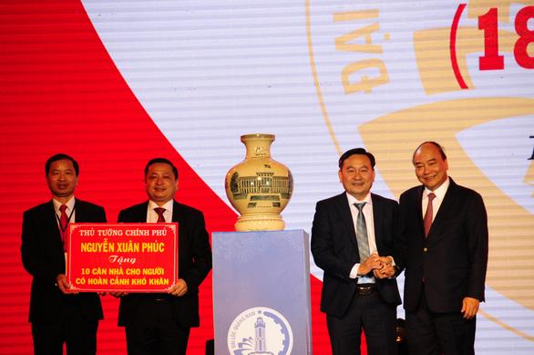 Thủ tướng tặng 10 căn nhà cho người nghèo Quảng Nam - Ảnh 1.