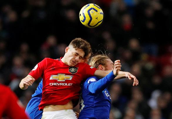 Mất điểm trước Everton, MU bị Tottenham vượt mặt - Ảnh 1.