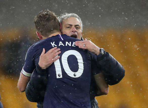 Mất điểm trước Everton, MU bị Tottenham vượt mặt - Ảnh 2.