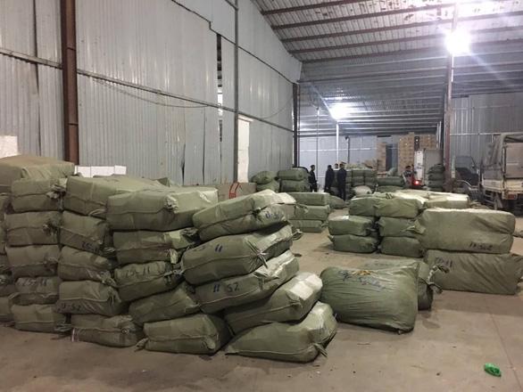 Khởi tố ông trùm buôn lậu hơn 100 tấn dược liệu qua nhiều tỉnh thành - Ảnh 1.