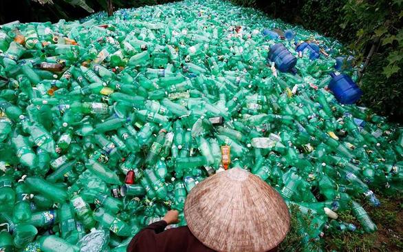 Biến rác thải nhựa thành tài nguyên - Ảnh 1.