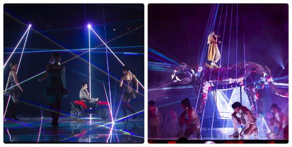 Vũ Cát Tường té sấp mặt từ sân khấu 2m xuống đất trong live show - Ảnh 3.