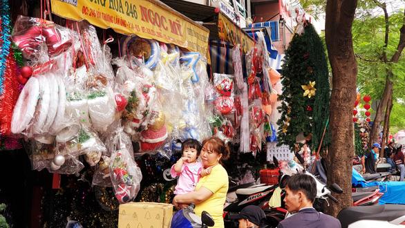Tưng bừng không khí mua sắm, trang trí Giáng sinh - Ảnh 5.