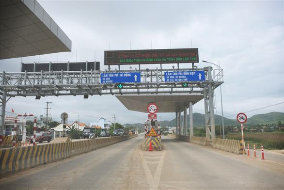 BOT Ninh Xuân buộc phải xả trạm sau ít giờ thu phí - Ảnh 1.