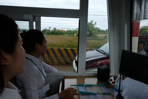 BOT Ninh Xuân buộc phải xả trạm sau ít giờ thu phí - Ảnh 3.