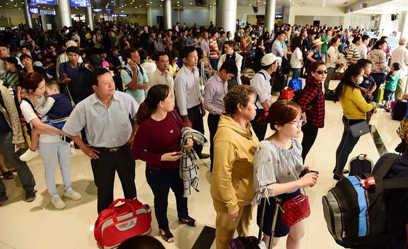Đủ thứ tiếng ồn ở các sân bay Việt Nam - Ảnh 1.
