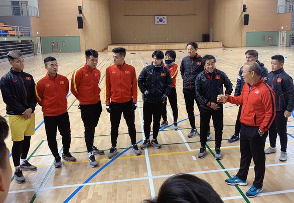 Trung vệ Đình Trọng đã tập chung cùng đội tuyển U23 Việt Nam - Ảnh 1.