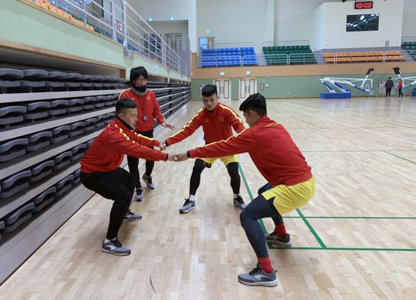 Trung vệ Đình Trọng đã tập chung cùng đội tuyển U23 Việt Nam - Ảnh 3.
