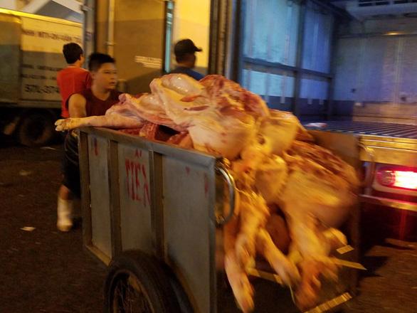 TP.HCM cam kết đủ 100% thịt heo tết - Ảnh 4.