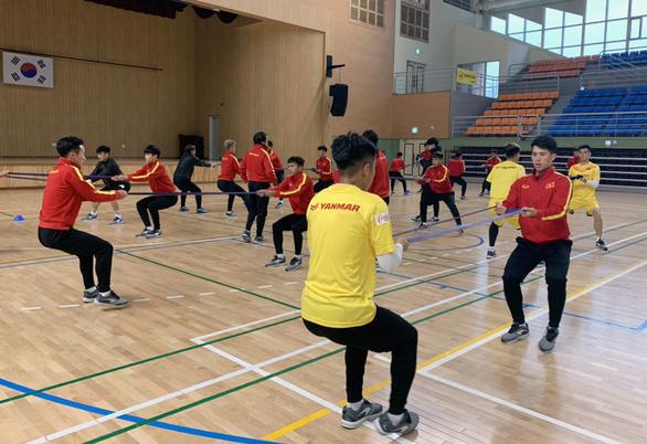 Trung vệ Đình Trọng đã tập chung cùng đội tuyển U23 Việt Nam - Ảnh 2.