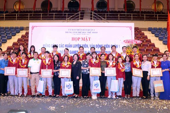 Huỳnh Như và các VĐV, HLV quận 1 được vinh danh - Ảnh 3.