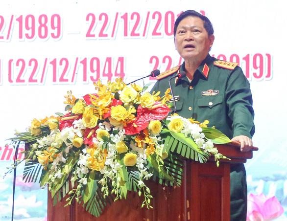 Bộ trưởng Ngô Xuân Lịch mong cán bộ quân đội nghỉ hưu chia sẻ kinh nghiệm - Ảnh 1.