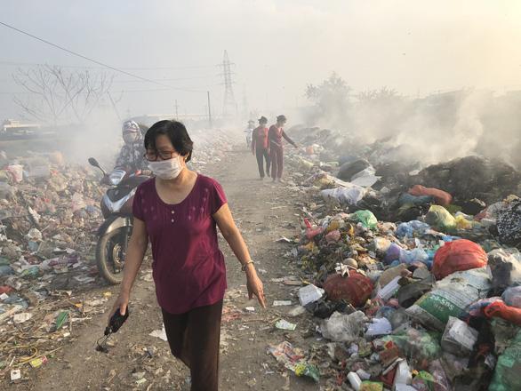 Mục sở thị con đường ô nhiễm nhất Việt Nam - Ảnh 2.