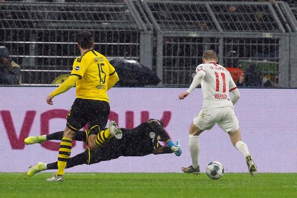 Dortmund đánh rơi chiến thắng trước Leipzig sau 3 lần dẫn trước - Ảnh 2.