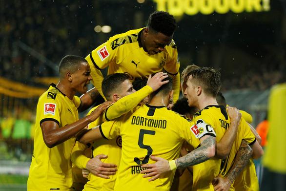 Dortmund đánh rơi chiến thắng trước Leipzig sau 3 lần dẫn trước - Ảnh 1.