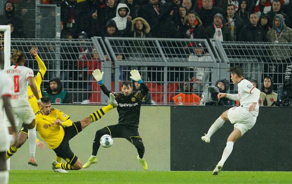 Dortmund đánh rơi chiến thắng trước Leipzig sau 3 lần dẫn trước - Ảnh 3.