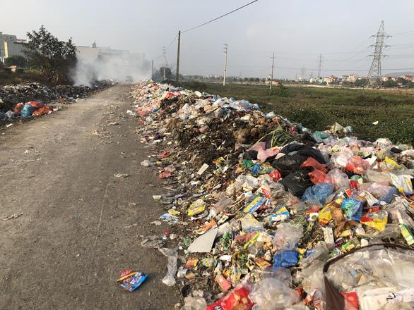 Mục sở thị con đường ô nhiễm nhất Việt Nam - Ảnh 7.