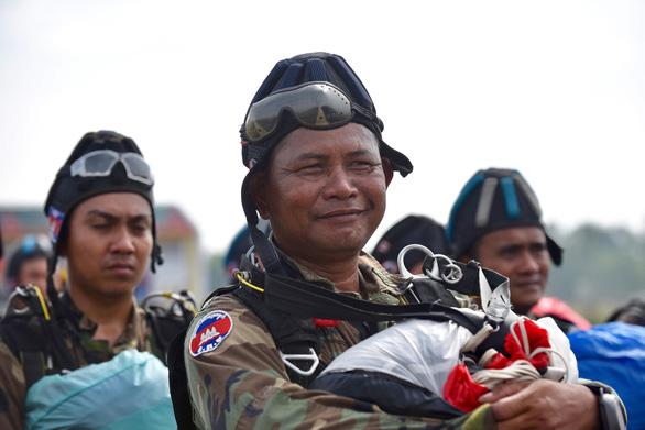 Đại tướng Ngô Xuân Lịch: Diễn tập Việt Nam - Campuchia nâng tính chủ động quân đội hai nước  - Ảnh 7.