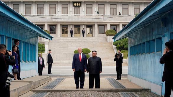 Mỹ phản đối nghị quyết gỡ trừng phạt với Triều Tiên do Trung Quốc và Nga soạn - Ảnh 1.