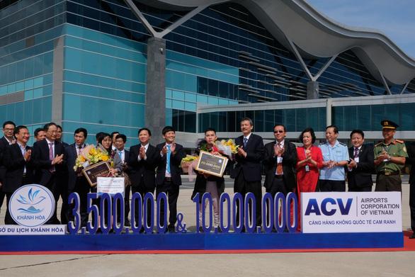 Tăng đường bay thẳng, Khánh Hòa đón vị khách quốc tế thứ 3,5 triệu - Ảnh 1.