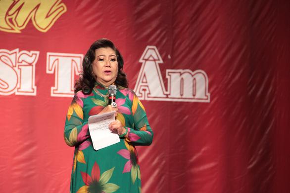 NSND Kim Cương: Đỡ mệt chút đã vận động quà cho Nghệ sĩ tri âm - Ảnh 1.
