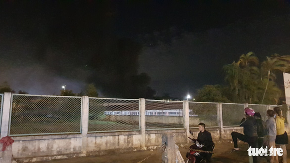 Cháy xưởng sản xuất của Công ty giày da Đỉnh Vàng - Ảnh 1.