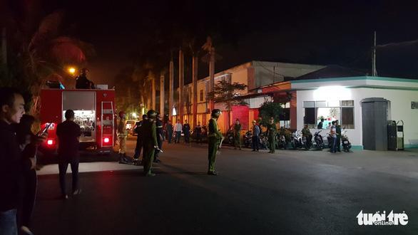 Cháy xưởng sản xuất của Công ty giày da Đỉnh Vàng - Ảnh 2.