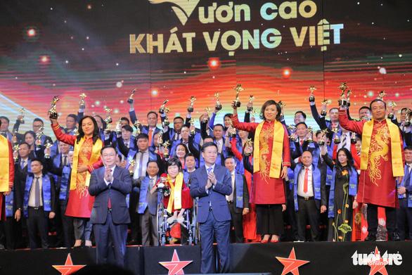 Doanh nhân truyền cảm hứng Nguyễn Thị Vân nhận giải thưởng Sao đỏ danh dự - Ảnh 3.