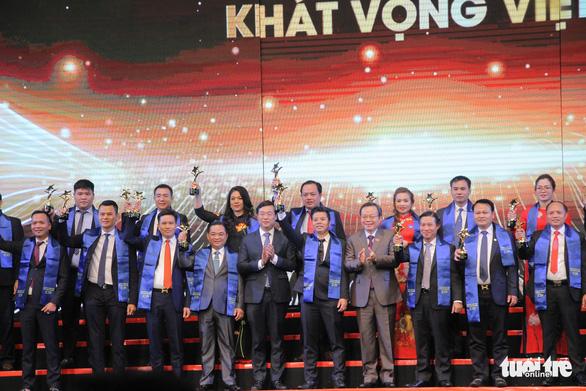 Doanh nhân truyền cảm hứng Nguyễn Thị Vân nhận giải thưởng Sao đỏ danh dự - Ảnh 4.
