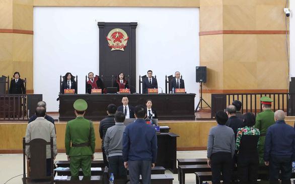 Cựu bộ trưởng Nguyễn Bắc Son mất ngủ cả đêm, vắng mặt thẩm vấn - Ảnh 1.