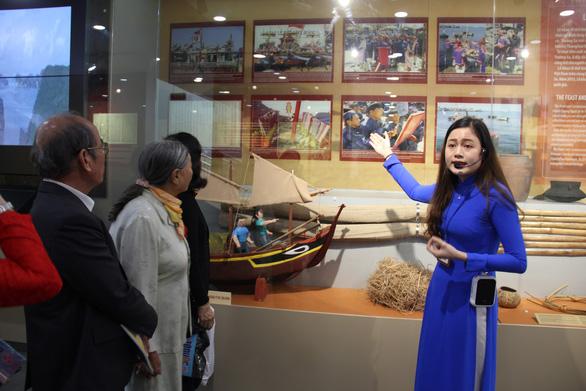 Nhà trưng bày Hoàng Sa thành điểm du lịch - Ảnh 4.
