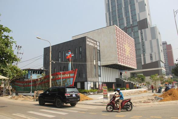Nhà trưng bày Hoàng Sa thành điểm du lịch - Ảnh 1.