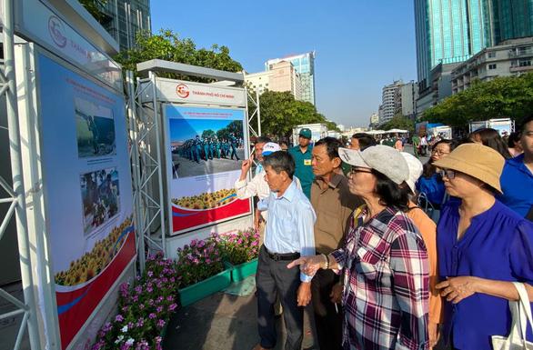 Khai mạc triển lãm ảnh về quân đội nhân dân Việt Nam anh hùng - Ảnh 3.