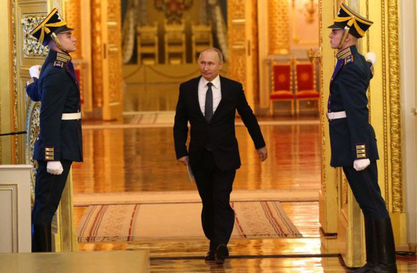 Trong thời khắc quan trọng, nước Nga đã chọn người kế vị Vladimir Putin ra sao? - Ảnh 2.
