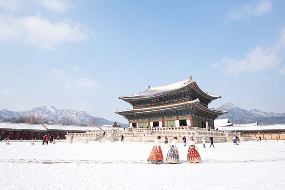 Tận hưởng mùa tuyết xứ Hàn - Ảnh 2.