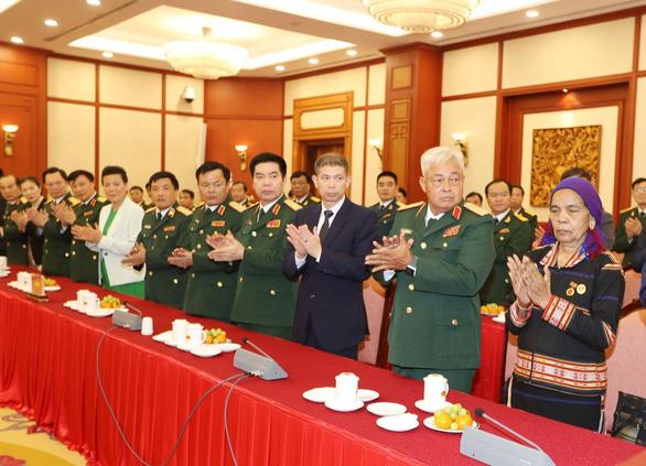 75 năm Quân đội Nhân dân Việt Nam vững bước dưới lá cờ vinh quang của Đảng - Ảnh 2.