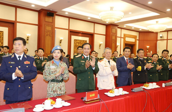 75 năm Quân đội nhân dân Việt Nam vững bước dưới lá cờ vinh quang của Đảng - Ảnh 3.