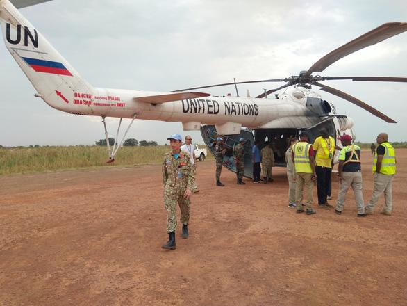 Mũ nồi xanh Việt Nam ở Nam Sudan - Kỳ 2: Đội cấp cứu đường không - Ảnh 2.