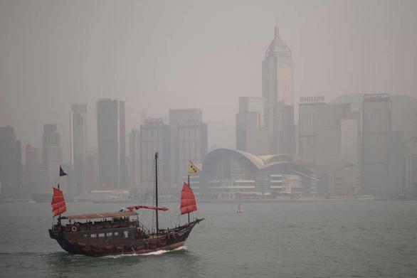 Mỹ ngăn Trung Quốc dùng Hong Kong làm cửa ngõ nhập công nghệ cao từ Mỹ - Ảnh 1.
