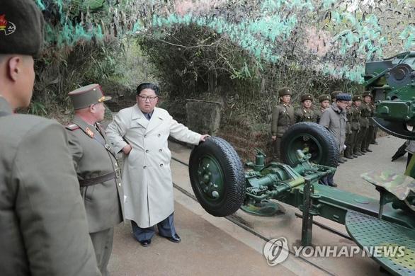 Ông Kim Jong Un gây tranh cãi khi thay đổi phong cách thời trang - Ảnh 3.