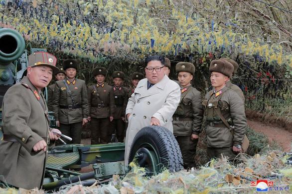 Ông Kim Jong Un gây tranh cãi khi thay đổi phong cách thời trang - Ảnh 5.