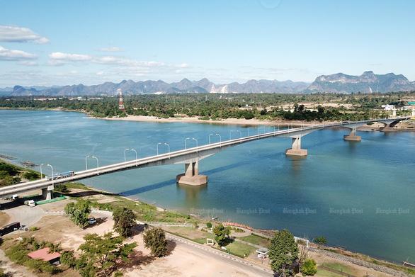 Sông Mekong xanh lung linh, dự báo mùa khô khốc liệt đang đến - Ảnh 1.