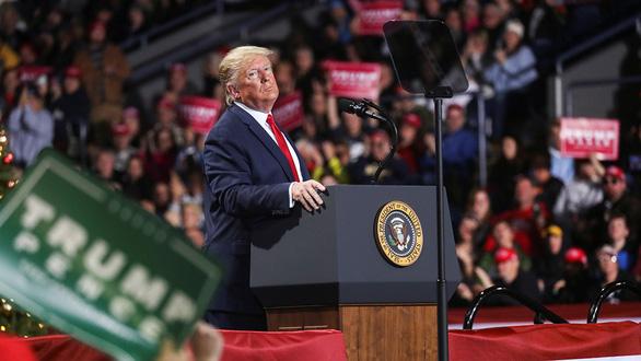 Luận tội ông Trump tạo bước ngoặt bầu cử - Ảnh 1.